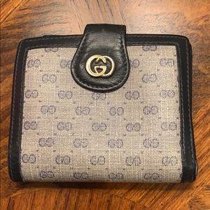 Gucci vintage blue wallet